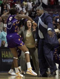WNBA Brawl in Detroit - Lisa Leslie